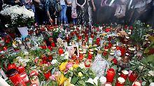 Hunderte Menschen nehmen Anteil: Trauerzug für tote 15-Jährige in Viersen