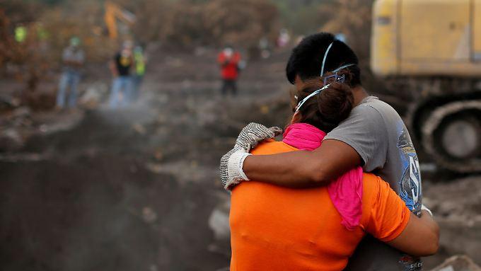 Vergebliche Suche in Guatemala: Der Vulkan forderte zahlreiche Todesopfer.