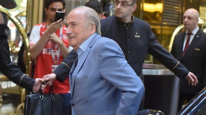 Blatter fühlt sich in Putins Russland sichtlich wohl.