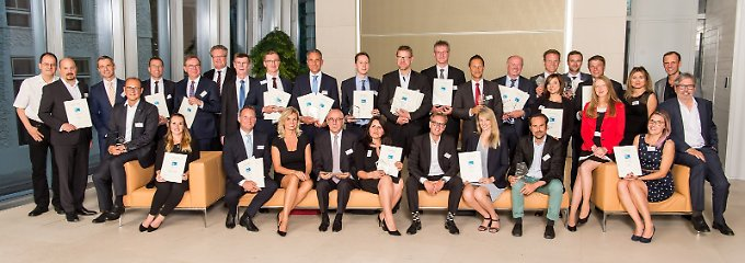 Die Sieger des Zins-Awards wurden feierlich in der Berliner Bertelsmann-Repräsentanz ausgezeichnet.