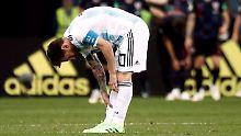 Gebeugt und gepeinigt: Lionel Messi und seine Argentinier blamieren sich gegen Kroatien.