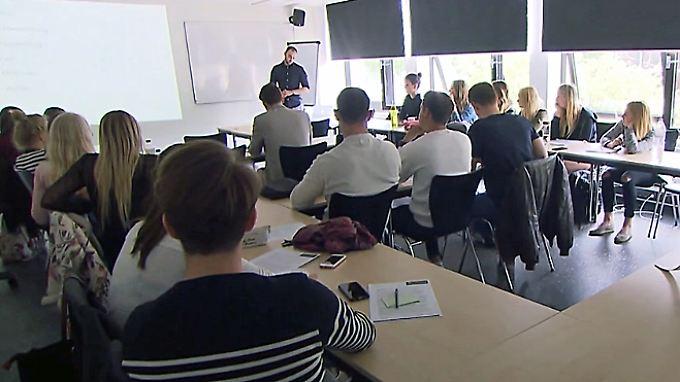 n-tv Ratgeber: Private Hochschulen im Test