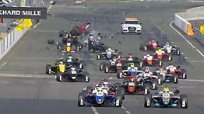 Nachwuchsklasse gastiert auf dem Norisring: Horror-Crash schockt die Formel 3