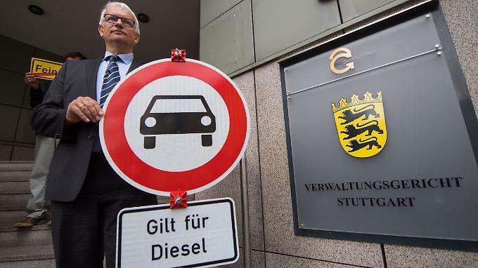 Jürgen Resch, Bundesgeschäftsführer der Deutschen Umwelthilfe, will in Stuttgart umfassende Fahrverbote durchsetzen.