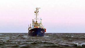 """Rettungsmission im Mittelmeer: Kapitän der """"Lifeline"""" klagt libysche Küstenwache an"""