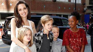 Promi-News des Tages: Angelina Jolie hetzt ihre Kinder gegen Brad Pitt auf