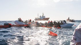 """Spanien nahm zuletzt das Flüchtlingsschiff """"Aquarius"""" auf. Aber die Richter bezogen sich auf die Zeit davor."""