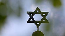 Streit mit zehn Tatverdächtigen: Staatsschutz ermittelt nach Angriff auf Juden