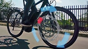 ABS und schlüsselloses Schloss: Fahrradmesse Eurobike zeigt Zukunft des E-Bikes