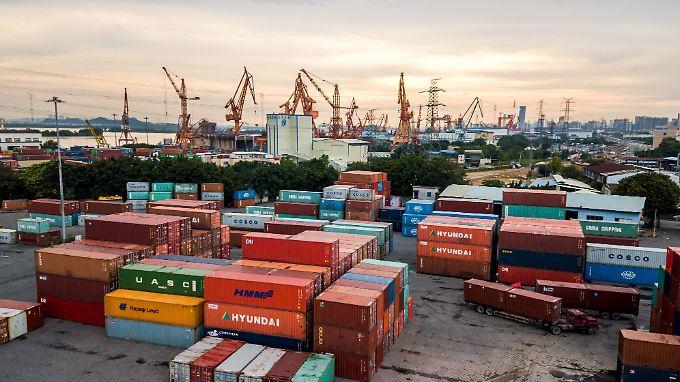 Chinas Ausfuhren in die USA wuchsen im Juni auf eine Rekordhöhe von 42 Milliarden US-Dollar an.