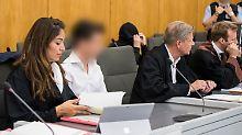 """""""Ich schäme mich"""": Angeklagter gesteht Gruppenvergewaltigung"""