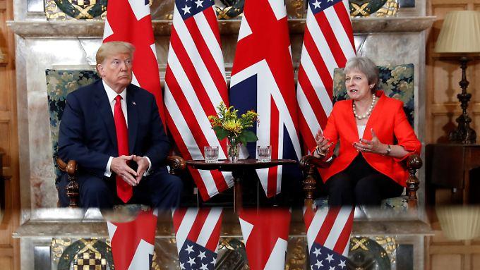 US-Präsident Trump und Premierministerin May treffen sich zu Gesprächen auf dem Landsitz Chequers.