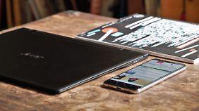 Das Acer Swift 7 ist kaum dicker als eine Zeitschrift oder ein modernes Smartphone.