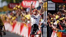 Wilde Tour-Etappe nach Roubaix: Degenkolb siegt, Froome und Porte stürzen