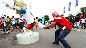 Sabiwaka - das witzige Maskottchen der WM gab's auch in Statuenform. nur wohin damit?