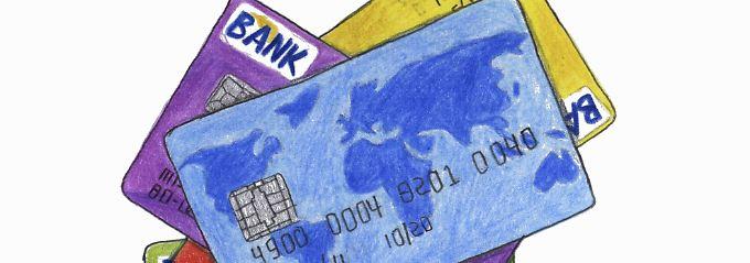 Finanztest rät davon ab, ungeprüft die Kreditkarte der Hausbank zu nehmen.