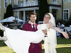 """Betrunken im Bett"": Bachelor Freiers verkorkste Hochzeitsnacht"