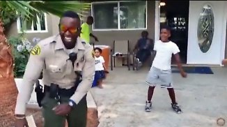 Kaum zu glauben, aber wahr: Notruf endet in rasantem Tanz-Battle mit Kind