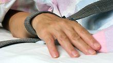 Karlsruhe gibt Patienten recht: Richter müssen Fixierung genehmigen