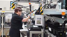 Im sächsischen Kamenz baut die Daimler-Tochter Accumotive bereits Batterien - nun kündigt Daimler an, zwei weitere Fabriken zu bauen.