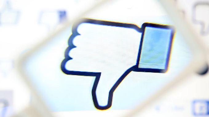 Der Datenskandal bei Facebook wirkt nach: Der Umsatz im zweiten Quartal stieg nicht so stark wie erwartet.