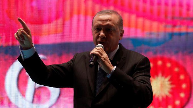 """Die Türkei ist weit davon entfernt, bald """"eine der zehn größten Wirtschaftsmächte der Welt"""" zu sein, wie der türkische Präsident Erdogan verspricht."""