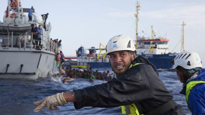 Tödlicher Einsatz. 20 Menschen starben im November 2017, als private Retter und die libysche Küstenwache im Mittelmeer aneinandergerieten. Gegen Italien wird nun geklagt.