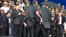 Bekennerschreiben aufgetaucht: Venezuelas Präsident entgeht Anschlag