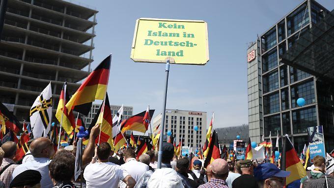 Bei einer Demonstration der AfD im Mai 2018 in Berlin.
