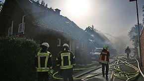 32 Verletzte in Siegburg: Großbrand an ICE-Strecke greift auf Wohnhäuser über