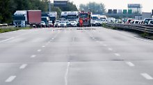 Auf der Autobahn 2 passieren besonders viele Unfälle. Eine Elfenbeauftragte sollte helfen, die Unfallzahl eventuell zu minimieren.
