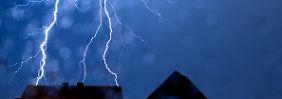 Schwere Gewitter im Westen: Sturmtief streift Deutschland