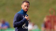 """""""Mir macht die Arbeit mit unserer Mannschaft außerordentlich Spaß"""": Domenico Tedesco."""
