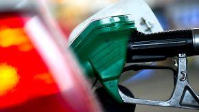 Folge internationaler Krisen: Autofahrern drohen starke Schwankungen beim Benzinpreis