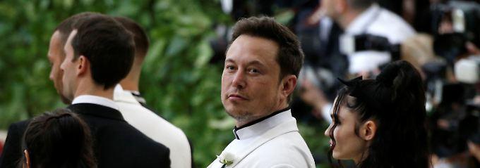 Schlaflos, einsam, überarbeitet: Elon Musks Nerven liegen blank