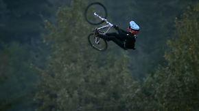 Adrenalinsprünge mit dem Mountainbike: Slopestyler zeigen in Kanada spektakuläre Tricks