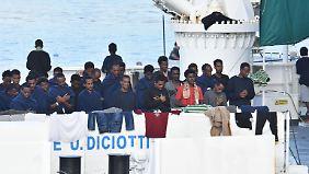 "Drama um Flüchtlingsschiff ""Diciotti"": Italiens Justiz ermittelt gegen Innenminister Salvini"