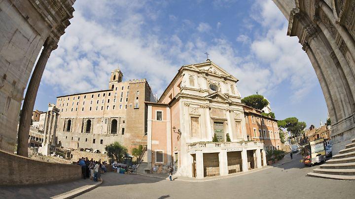 So sah die Kirche vor dem Unglück aus - ein Bild von den Schäden liegt uns noch nicht vor.