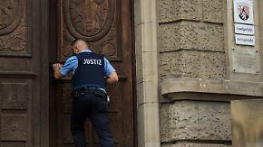 15-Jährige im Drogeriemarkt ermordet: Messerstecher von Kandel zu achteinhalb Jahren verurteilt