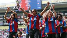 Profi spendet für Kolleginnen: Crystal Palace lässt Frauenteam blechen