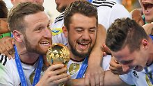 St. Petersburg, 2. Juli 2017: Amin Younes ist Confed-Cup-Sieger.