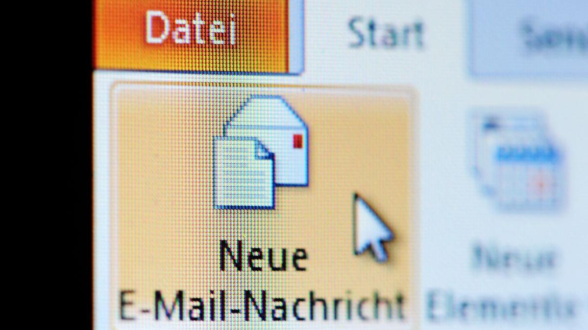Massenausspähen von Mails ist rechtswidrig