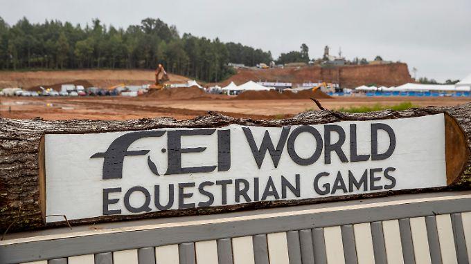 Einen Tag vor Beginn der Weltmeisterschaften in acht Pferdesport-Disziplinen glich das Wettkampf-Gelände in Tryon noch einer Baustelle