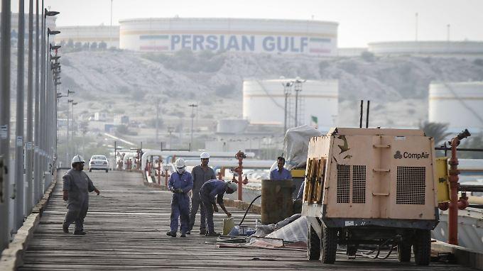 Ölraffinerie am Persischen Golf.