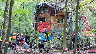 Kampf um den Hambacher Forst: Feuerwehr prüft unterirdische Gänge