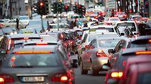 Erhöhter Druck auf Autoindustrie: Scheuer verlangt höhere Umstiegsprämien