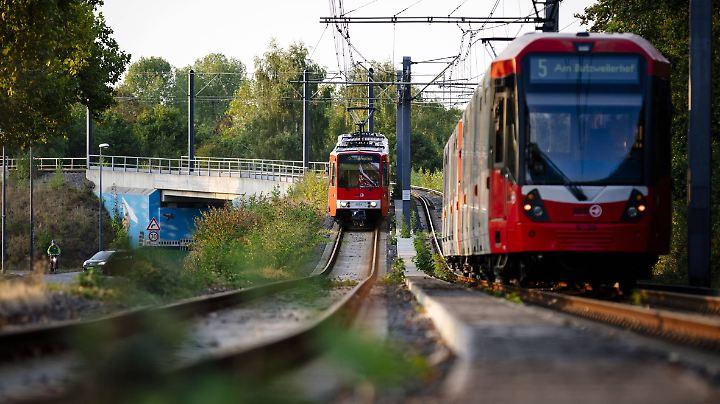 Bahnfahrer beklagen schon lange die ansteigenden Preise bei Zugtickets.