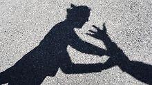 Zehntausende Betroffene jährlich: Regierung will Frauen vor Gewalt schützen