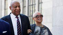 Ehefrau will Haft verhindern: Bill Cosby wartet mit Fußfessel auf Strafe