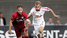 Verkehrte Welt im Dosenduell: Salzburg schlägt Leipzig im eigenen Stadion.
